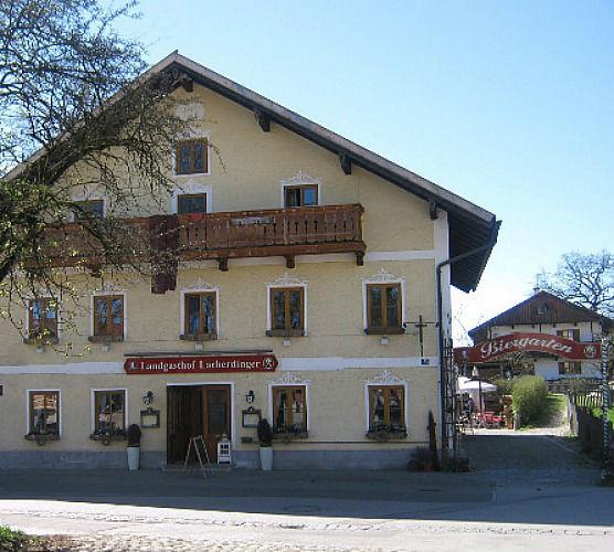 Beispiel: Aussenansicht, Foto: Landgasthof Lacherdinger.