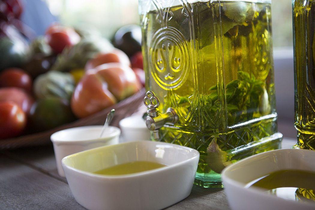 Estación de panes y aceite de oliva