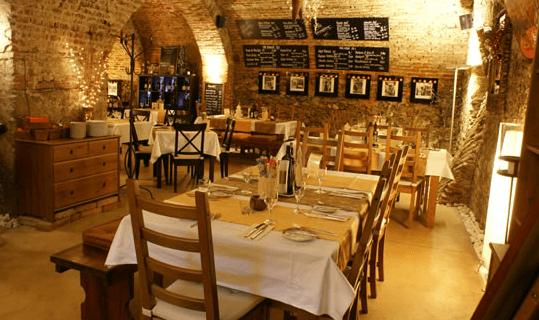 Beispiel: Restaurant, Foto: La Tavola e Castelloteca.