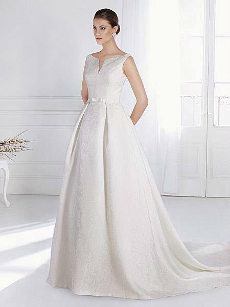 Beispiel: Hochzeitskleider, Foto: Liluca Lausanne.