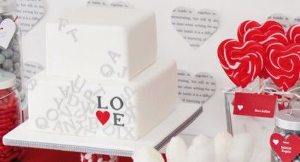 Beispiel: Love Theme, Foto: Sweet Candy Table.