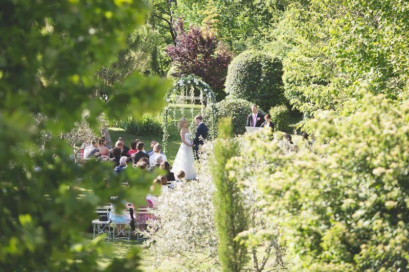 Cérémonie laïque dans les jardins