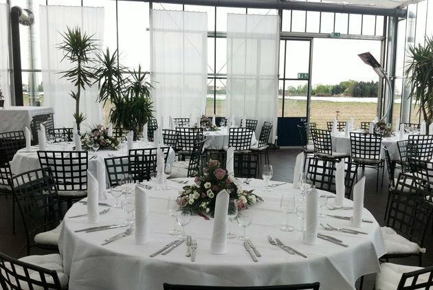 Beispiel: Hochzeitsbankett - runder Tisch, Foto: Gwächshaus.