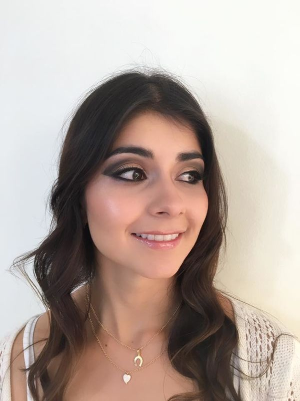 Caroramive Makeup & HairStayling