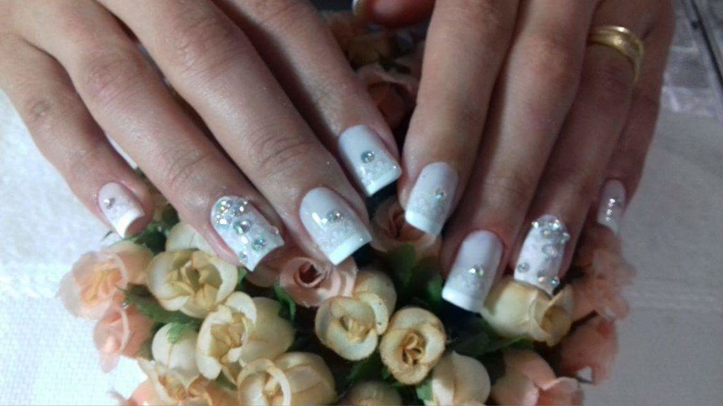 Beautiful Nails by Alessandra Lirani