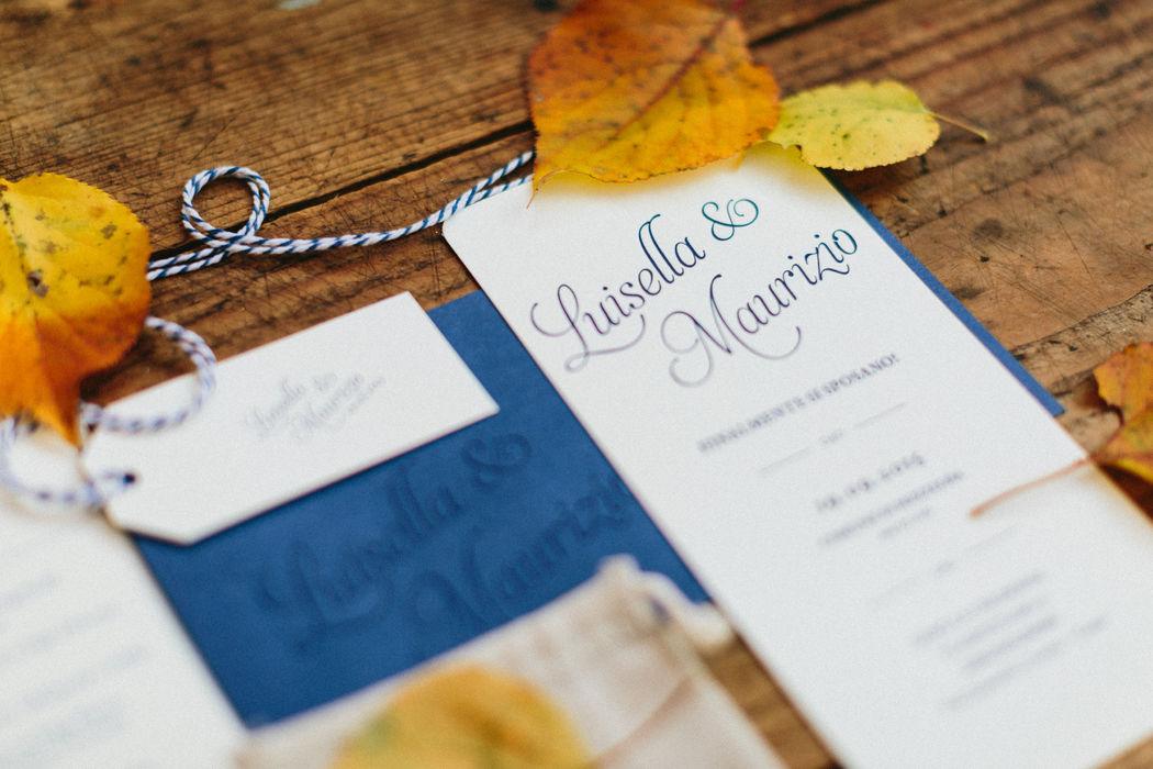 Luisella & Maurizio | Weddign Stationery Carta Fedrigoni Materica Limestone 360g/m Angoli stondati Stampa Letterpress un colore