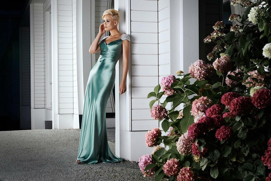 Beispiel: Atemberaubende Kleider, Foto: Mery's Couture Abendmode.