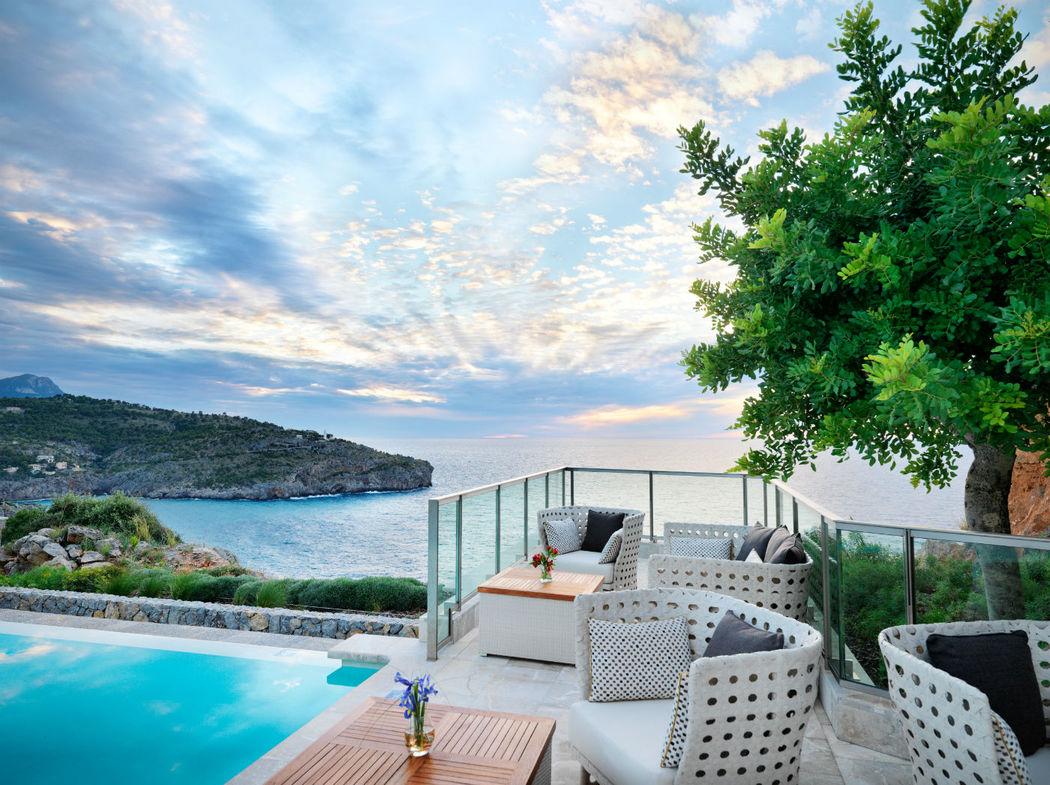 Vistas sobre la Infinity Pool y el Mar Mediterráneo