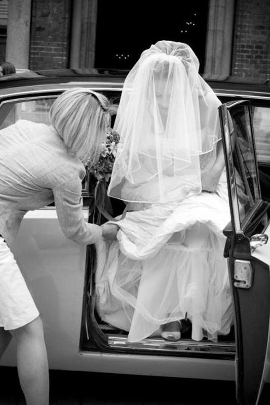 Beispiel: Ankunft mit dem Hochzeitsauto, Foto: Die Hochzeitshummel.