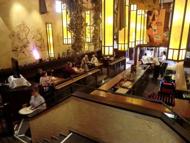 Beispiel: Restaurant, Foto: Kloster Machern Bernkastel- Wehlen.