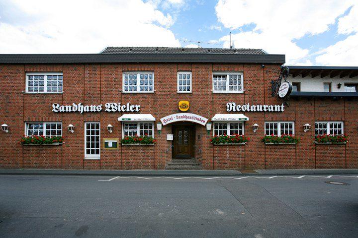 Beispiel: Eingang zum Restaurant, Foto: Landhaus Wieler.