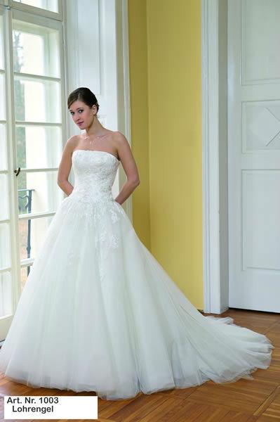 Beispiel: Brautkleider mit Stil, Foto: Minder Mode.