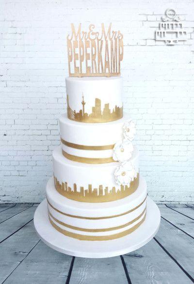 Wit Gouden bruidstaart met Skyline