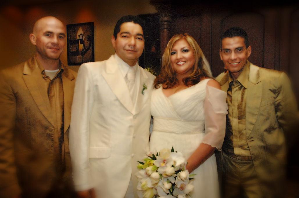 Diseñadores y novios casados en  Miami.