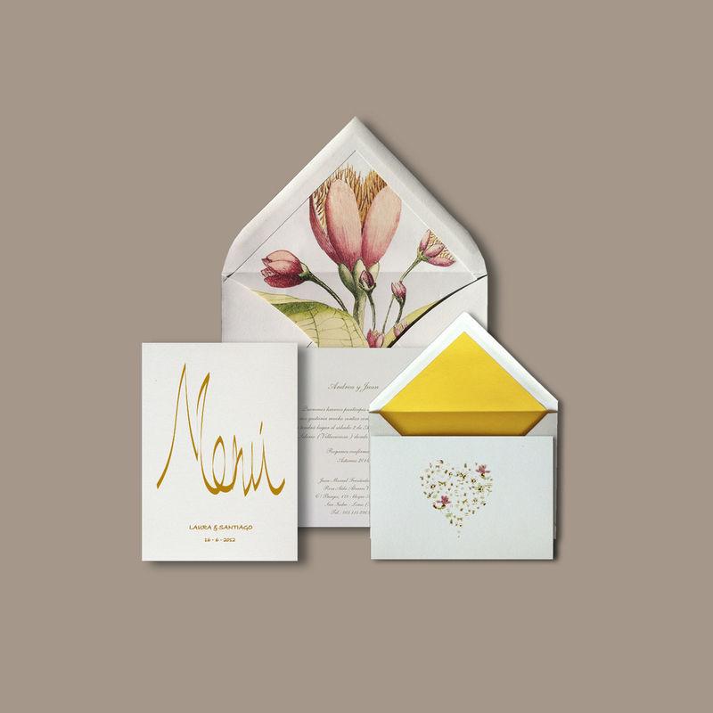 DIMASS Interior con Magnolias, menú para el restaurante e invitación pequeña romántica.