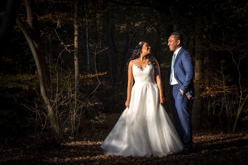 Bruidsfotografie op een herfst dag met prachtig licht.