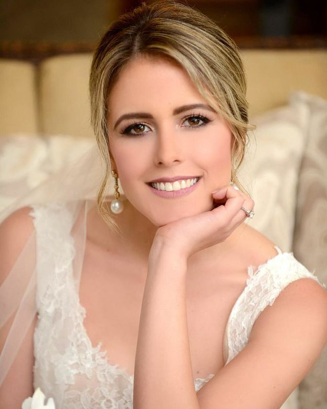 Elsa María Professional Make Up.