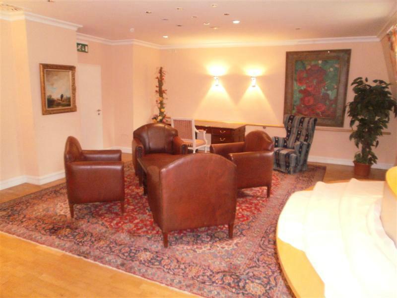 Beispiel: Lobby, Foto: Schlosshotel Breitenfeld.