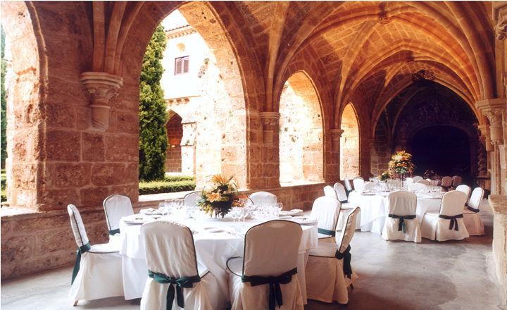 Monasterio de Piedra. Cena en el Claustro.