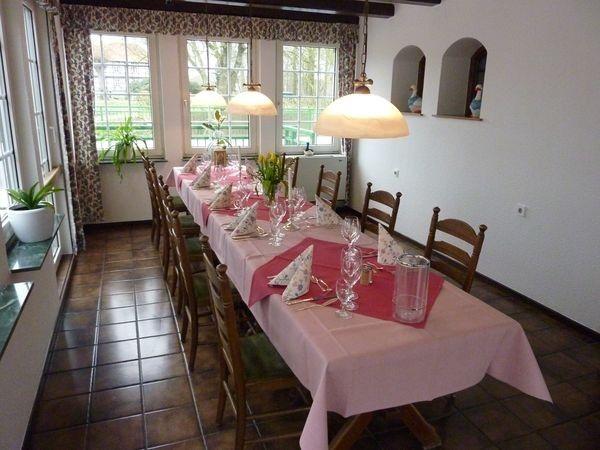 Beispiel: Mühlenzimmer, Foto: AKZENT Hotel Zur Wasserburg.