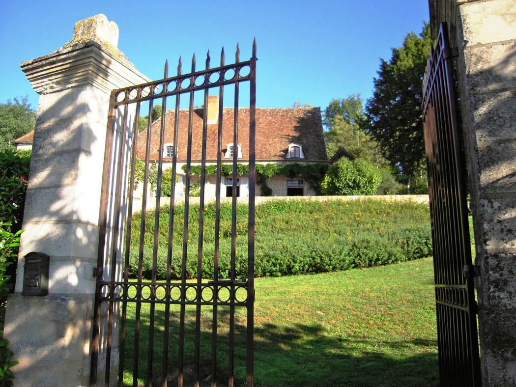 Entrée du château de Thil