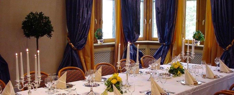 Beispiel: Bankett - Tischdekoration, Foto: Central-Hotel Kaiserhof.