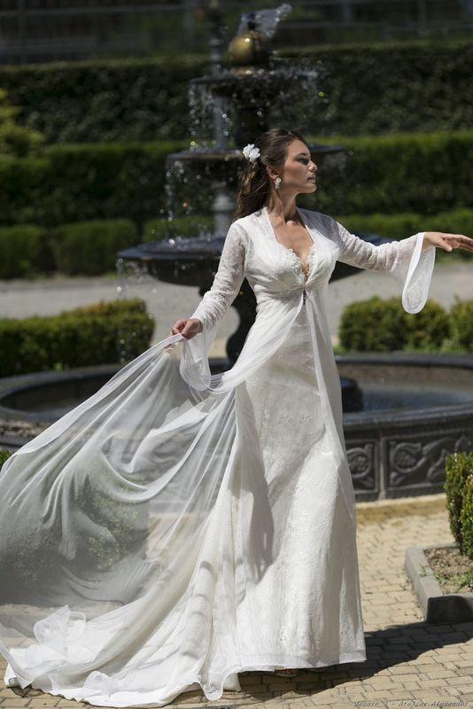 Abito da sposa modello Jasmin, collezione Romantica