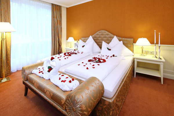 Dehner blumen hotel hochzeit for Hotelzimmer deko