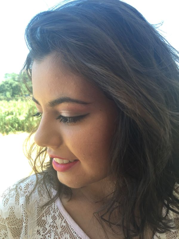 Sofia Ribeiro Make up - Maquilhagem feita em HD bela e duradoura reflete bem a Luz dos flashes e fica linda nas fotos.
