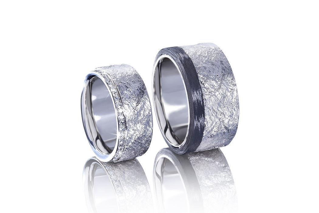 Eheringe in Palladium 950 mit Carbon und Diamant, Oberfläche mit