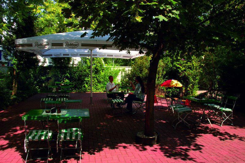 Beispiel: Terrasse, Foto: AKZENT Hotel Assambador.