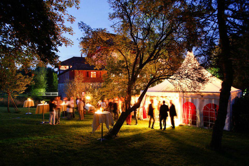 Beispiel: Fest im Freien, Foto: Wasserschloss Hagenwil.