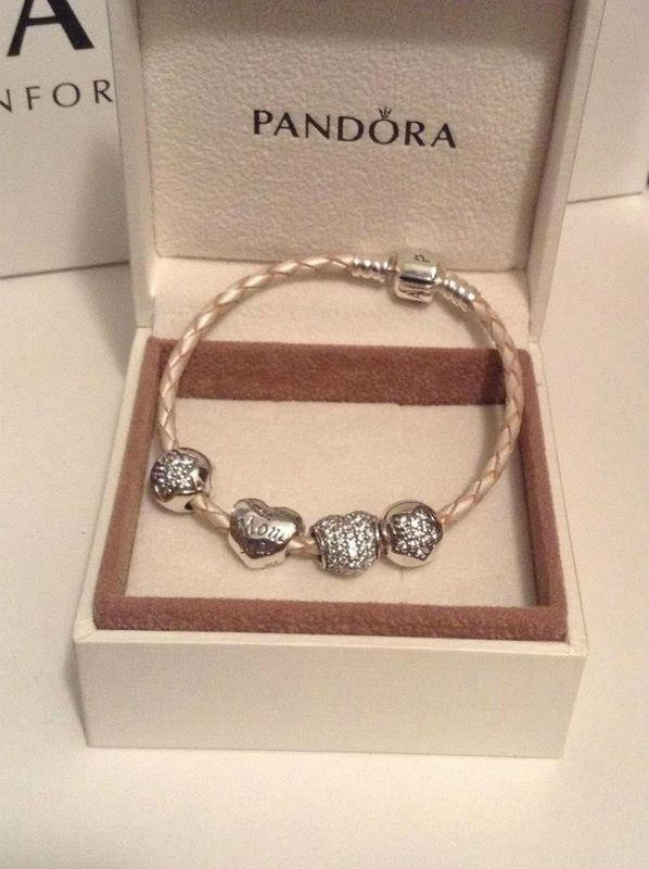 Pandora León