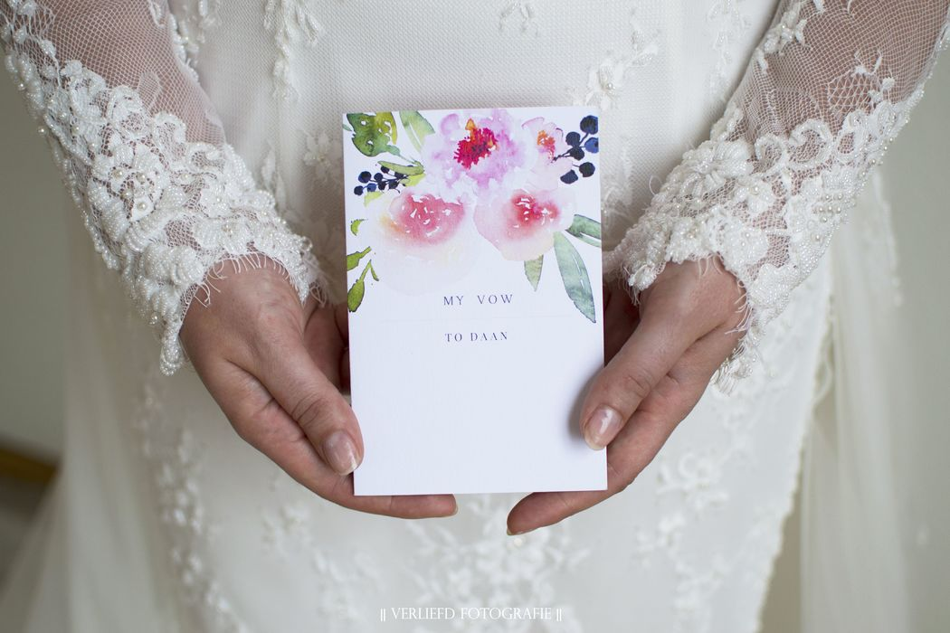 LE CHIC CARDS & DESIGN