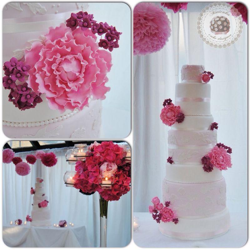 Lace & peony wedding cake  Tarta de 7 prisons de mas de 110cm de altura.