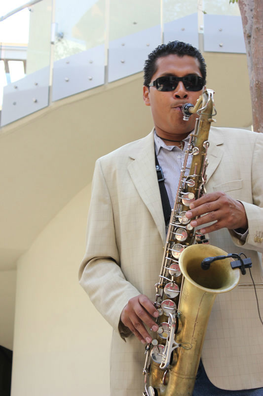 Saxofonista para banquetes de boda