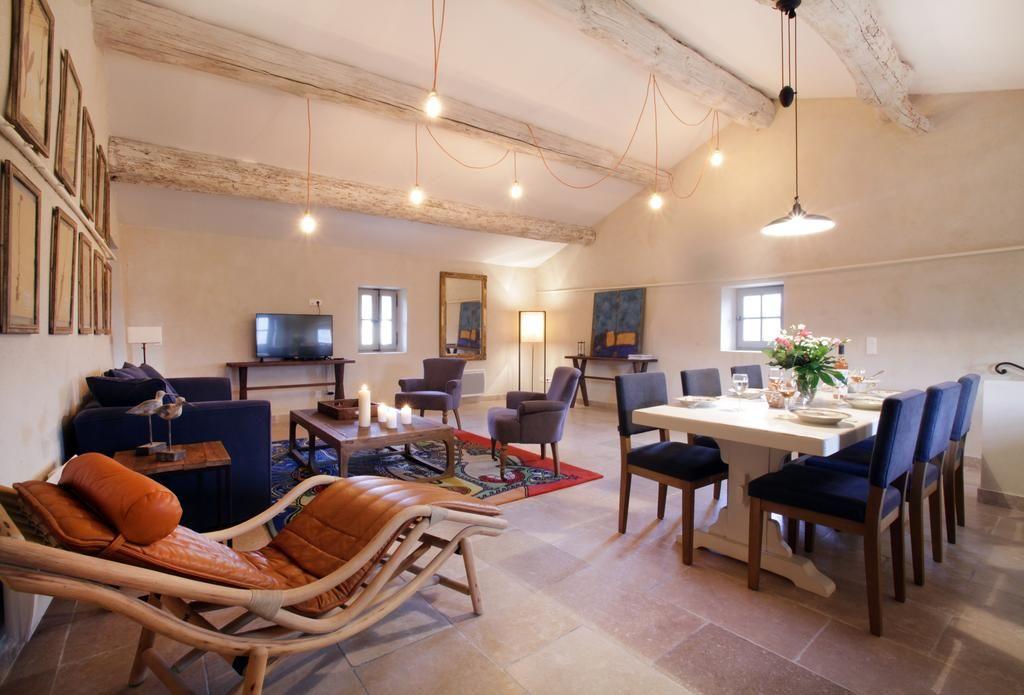 Des suites spacieuses et pleines de charme pour recevoir vos invités au domaine des Peyre