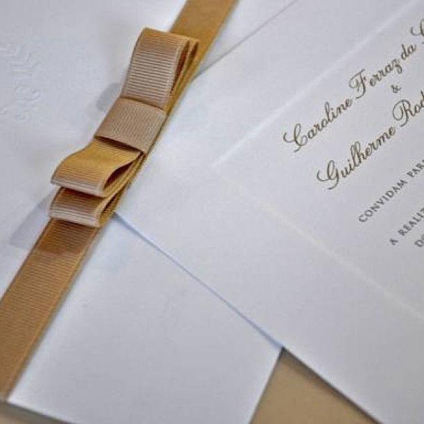 CDAM Design - convite clássico com laço chanel ouro.