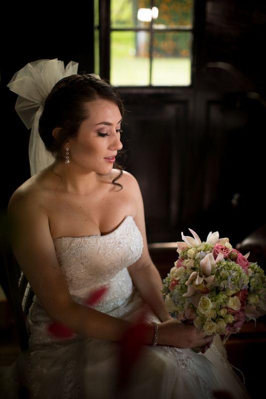 Sesion photo shoot maquillaje, #remansodelrio, #fotografoenbogota #fotografodestino #fotografodearte #fineartphotography Subachoque, wedding planner #haciendasancarlos