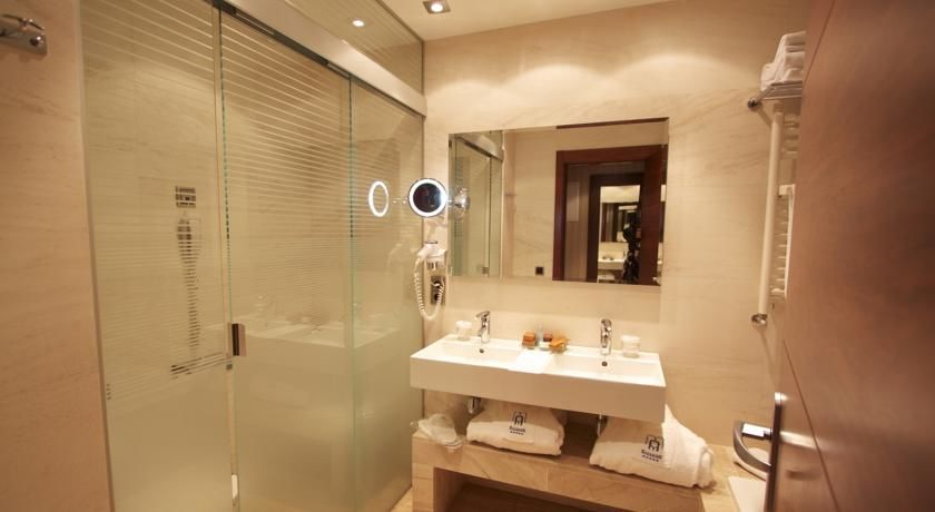 Hotel M.A. Nazaries, Business & Spa