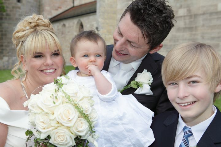 Beispiel: Brautpaar mit Kindern, Foto: Peter Zurek.