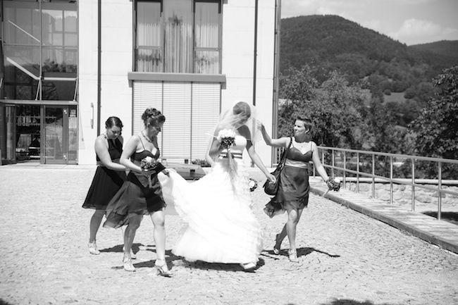 Beispiel: Braut und ihre Brautjungfern, Foto: Most Special Wedding.