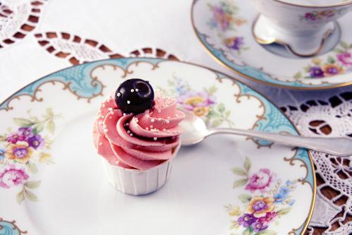 Beispiel: Cupcake Prinzessin Amarena Kirsch, Foto: Zuckermonarchie.