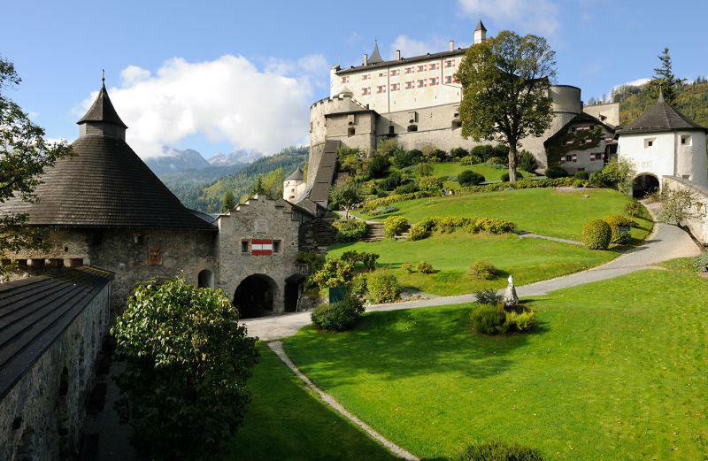 Beispiel: Gartenansicht, Foto: Erlebnisburg Hohenwerfen.