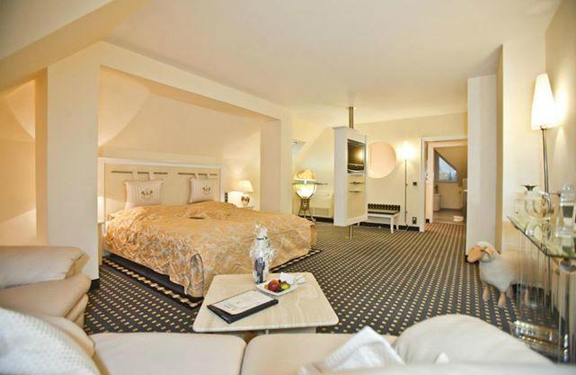 Beispiel: Suite, Foto: Landhaus-Hotel Waitz.