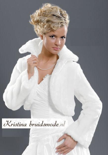 www.kristinabruidsmode.nl Bolero van kunstbont in wit, ivoor en zwart