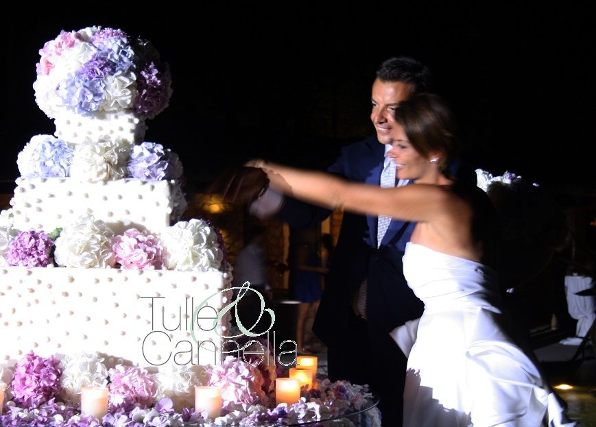Wedding Cake Matrimonio Aquapetra Sposi Raggianti