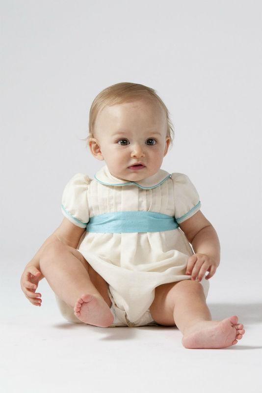 Rana para bebé en lino crudo con turquesa