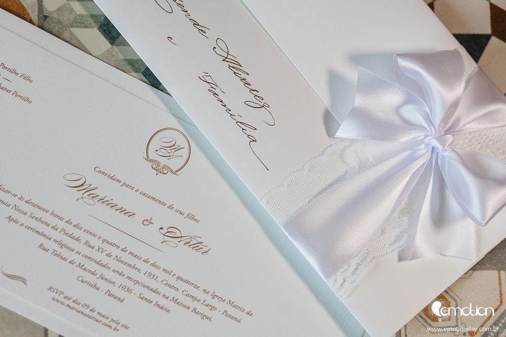 Convite clássico com renda