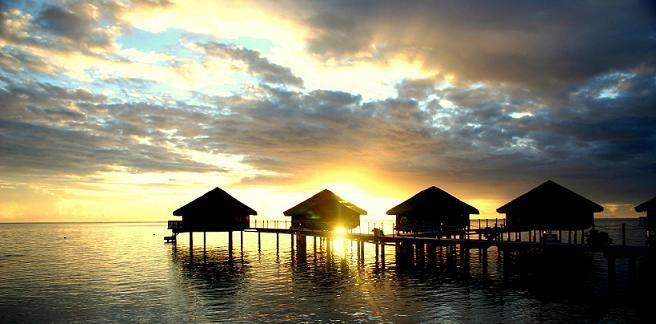 Beispiel: Sonnenuntergang Tahiti, Foto: Polynesia-Tours.